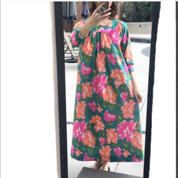 original 60s 70s dress in great condition Vintage floral bright blue